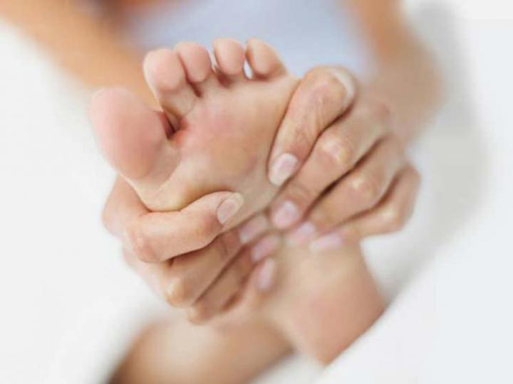 How to Cure Clavuses On the Feet?