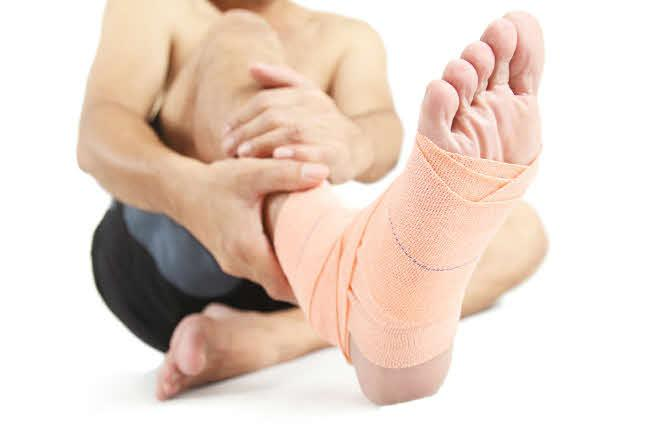 Three Athletic Injuries and the Sports Medicine Techniques That Treat Them